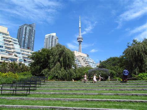 Toronto Garden by Toronto Garden Sarner