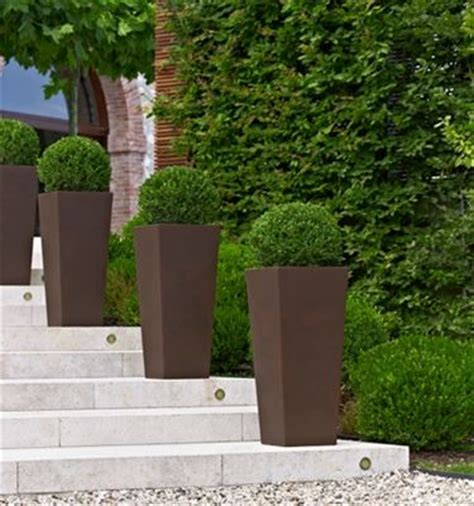 vasi di plastica per esterni scegliere i vasi giardino plastica scelta dei vasi