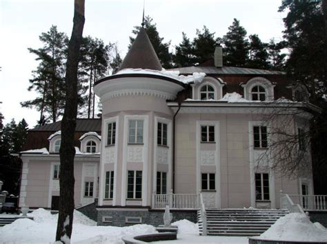houses in russia demand for luxury homes in moscow increased 600 percent in 2009 world property