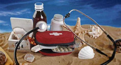 portare farmaci in aereo vacanze estive guida alla perfetta valigia dei bambini