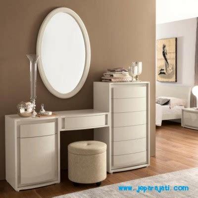 Meja Rias Minimalis Putih meja rias minimalis duco putih jepara jati