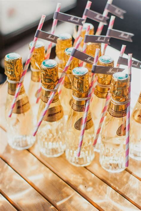 11 Super Creative Wedding Favor Ideas   MODwedding