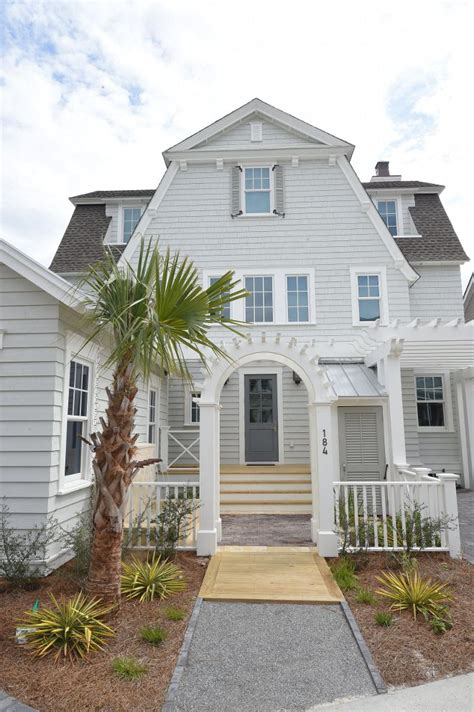 beach house exterior color schemes with beautiful garden 782 best exterior beautiful homes images on pinterest
