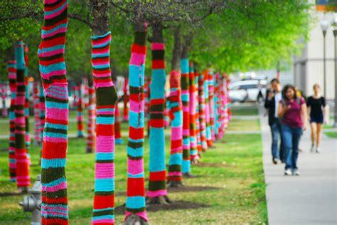 knit bombing magda sayeg yarn bombing patternbank