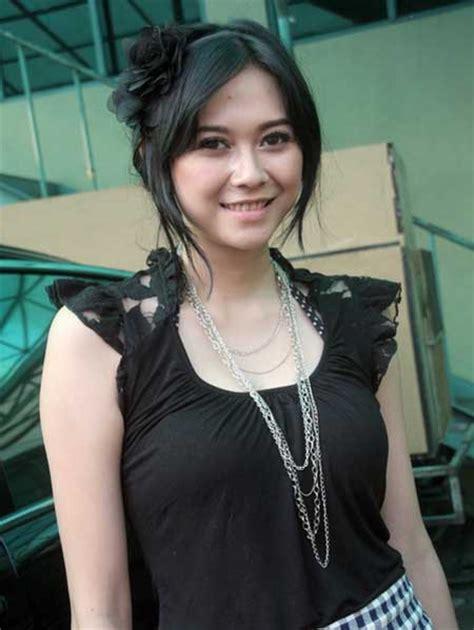 film hot indonesia aura kasih aura kasih indonesian artist part 1 asiabeauty
