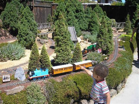 Garden Railroad by Garden Railway Tour Garden Dezine