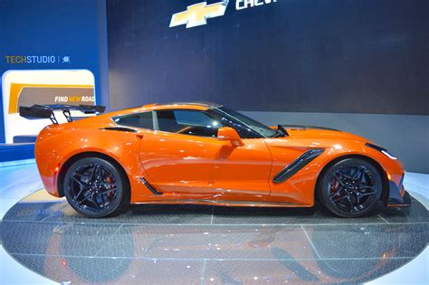 2017 corvette motor 2019 chevrolet corvette zr1 right side at 2017 dubai motor
