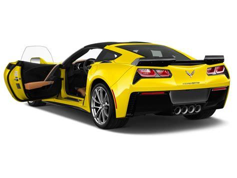 corvette doors image 2017 chevrolet corvette 2 door grand sport coupe w