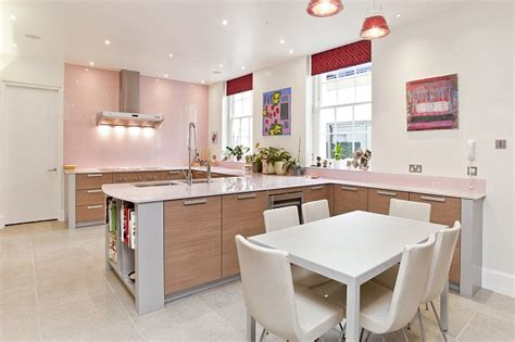 Light Pink Kitchen Robbie Williams Five Bedroom Villa Up To Rent For 163 10 000 A Week Daily Mail