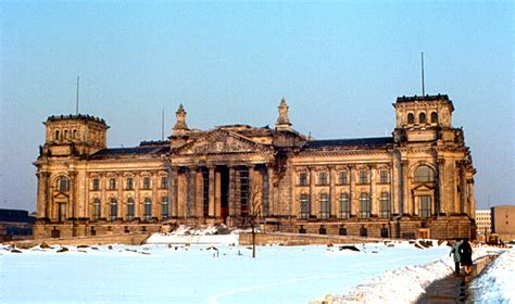 3 In 1 Berliana file berlin reichstag 1970 jpg wikimedia commons