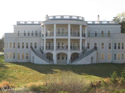 La Fausse Maison Blanche Est 224 Vendre Le Blog Des Tendances Square Footage White House Residence