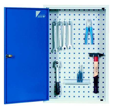 werkzeug wandschrank metec werkzeug wandschrank mit vierkantlochung werkzeuge