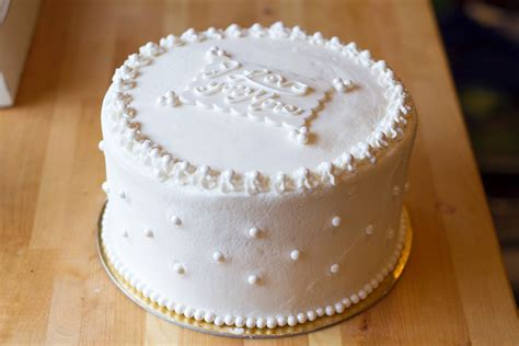 Wedding Cakes For Small Weddings by Small Wedding Cake Choice Image Wedding Dress