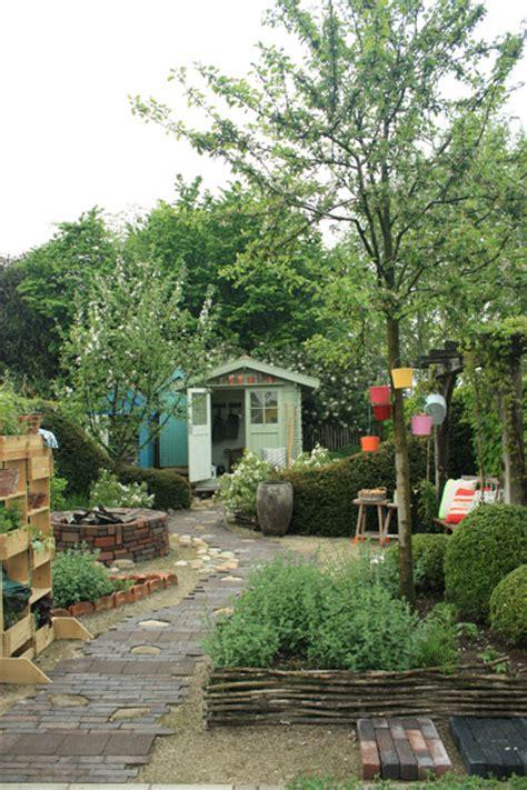 vt wonen tuin artikelen kleine tuin ontwerpen en inrichten tuinieren nl