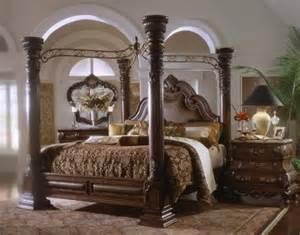 Used Canopy Bedroom Sets Sell Margaux Cabernet King Canopy Bedroom Set Furniture