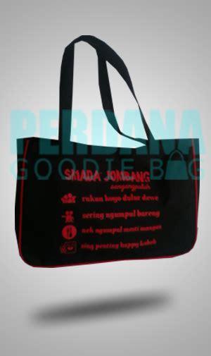 Kain D420 contoh tas dinier produksi perdana goodiebag tas kanvas tas blacu perdana goodiebag