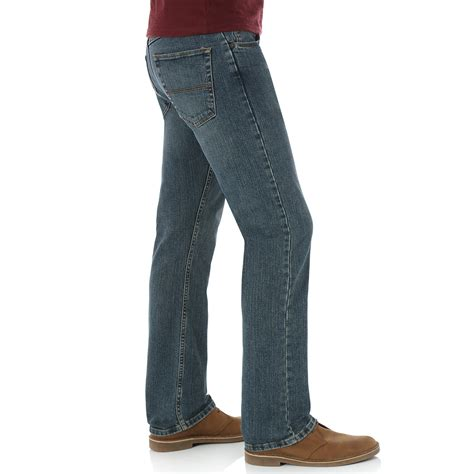 wrangler comfort fit jeans mens genuine wrangler men s advanced comfort straight fit jeans