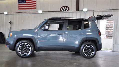 Difference Between Car And Jeep Difference Between Jeep Renegade Trailhawk And Limited