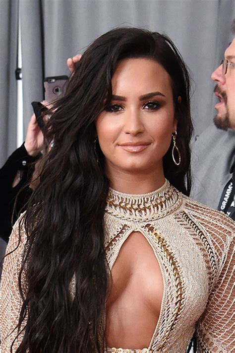 demi lovato grammy awards 2018 photos demi lovato s grammys hair makeup perfect