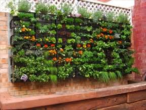 Vertical Pallet Gardens Pallet Vertical Garden 16 Do It Yourself Ideas Wooden