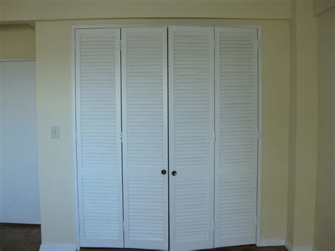 Louvered Bypass Closet Doors Louvered Bypass Closet Doors Bypass Doors Closet Cool Bypass Closet Doors For Bedrooms Indoor