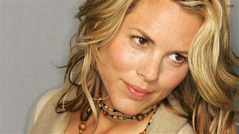 Small Plans by Maria Bello Wallpapers High Quality Download Free