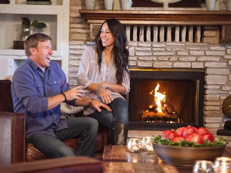 at home joanna gaines fun facts about chip and joanna gaines hgtv s fixer