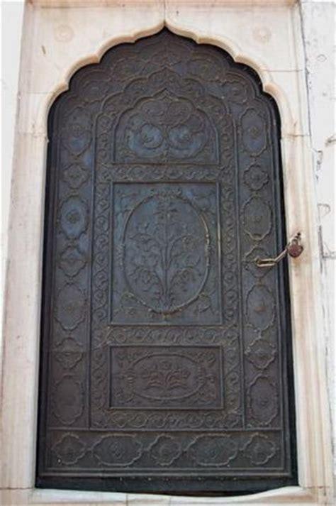 arabic door colorful doors pinterest 1000 images about arabic doors on pinterest blue doors