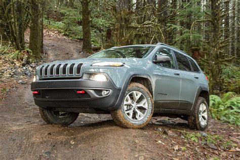 jeep cherokee trailhawk 2015 jeep cherokee trailhawk review digital trends