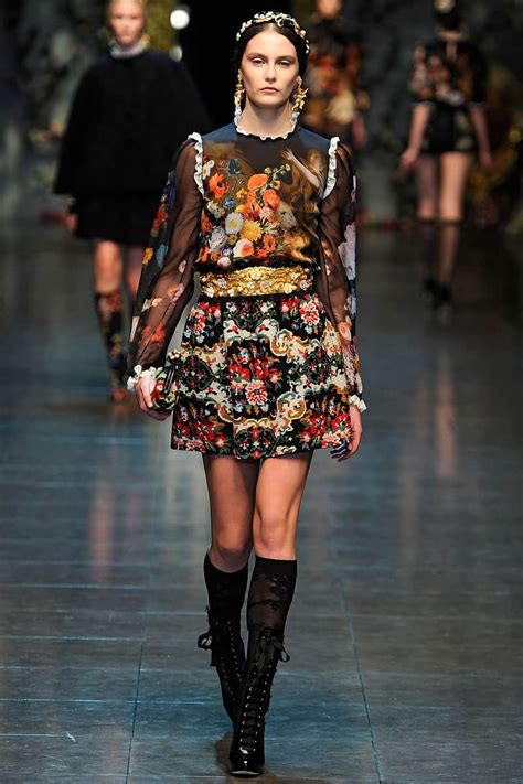 Catwalk To Carpet Rowland In Dolce Gabbana by Black Needlepoint Rugs Enliven Dolce Gabbana S F W 2012