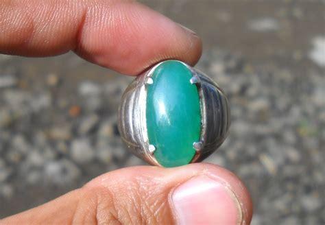 Batu Langsol Hijau batu bacan hijau cincau gemstone