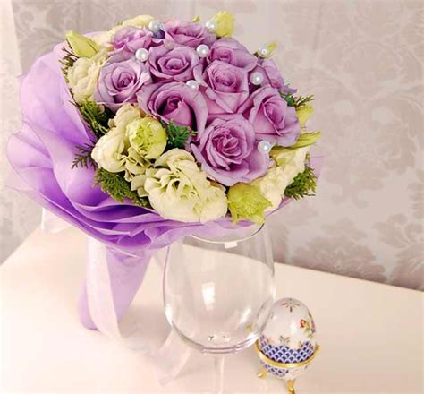wedding bouquet keeping fresh tips on keeping your flower centerpieces fresh