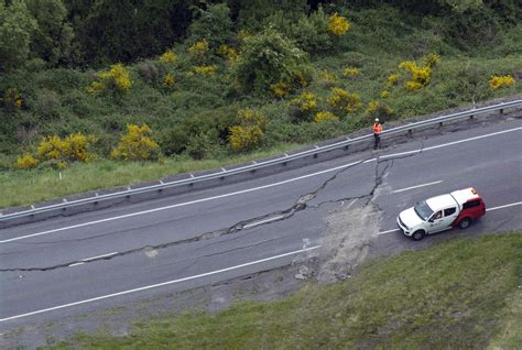 earthquake in new zealand powerful earthquake strikes new zealand the new indian