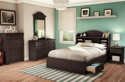 colors that go with brown bedroom furniture love the accent wall and dark brown furniture home