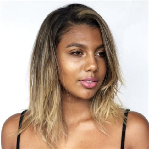 how to get texture and volume at crown hairstyle women s long blonde textured bob with face framing layers