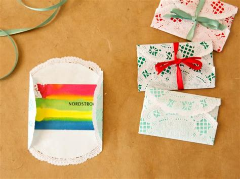 how to wrap gift cards for christmas how tos diy