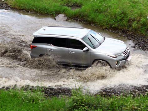 Frame Khusus Toyota 1 toyota auto2000 probolinggo test drive toyota fortuner 2017