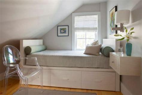 kleine schlafzimmer designs kleine schlafzimmer gr 246 223 er aussehen bett glas stuhl design