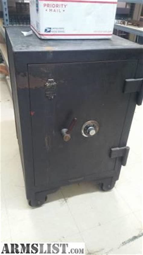Floor Safes For Sale armslist for sale trade heavy duty floor safe