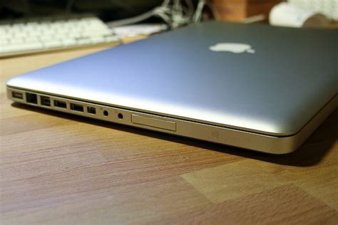 sketchbook pro review mac ars reviews the 2008 macbook pro part i aluminum glass