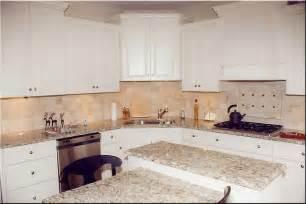 Light Granite With White Cabinets White Kitchen Cabinets Light Countertops Quicua
