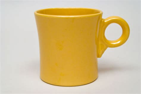 vintage fiesta pottery tom and jerry coffee mug in vintage fiesta tom and jerry mug original yellow