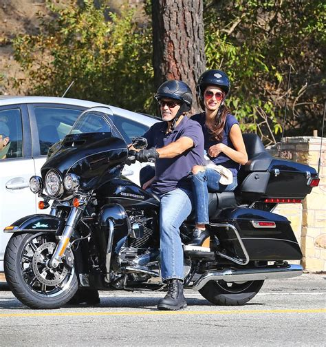 Motorrad Fahren Mit 16 by George And Amal Clooney Go For A Motorcycle Ride In La