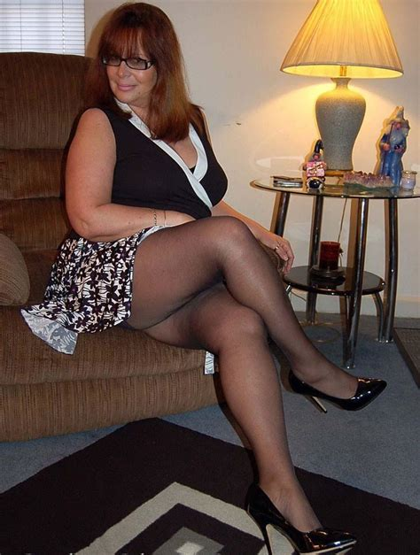 super mature atractiva mature milf pinterest pantyhose legs