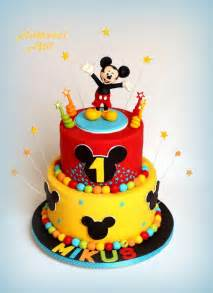 mickey mouse kuchen 25 best ideas about mickey mouse cake on