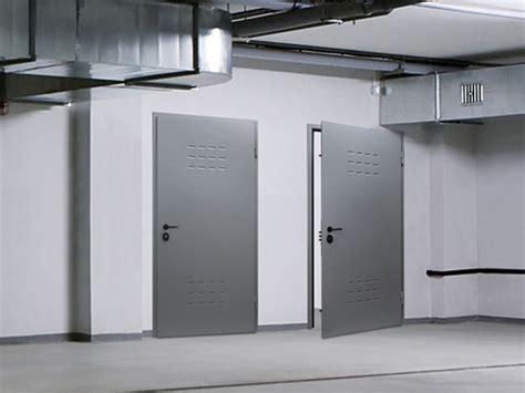 porta da cantina porte per cantine porte tipologie di porte per cantine