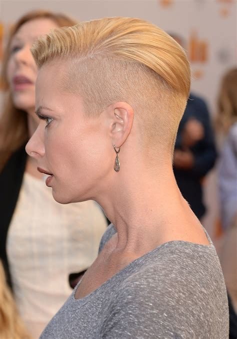 jaime pressly hairstyle for 30 year old anna s hair and the latest celebrity to half shave her head is
