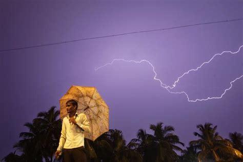 heavy rain expected over gujarat and vidharbha livemint