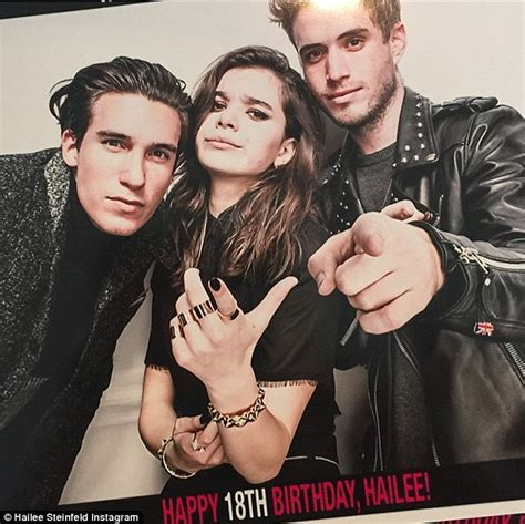 Mahone Parents Hailee Steinfeld With Pals Mahone And