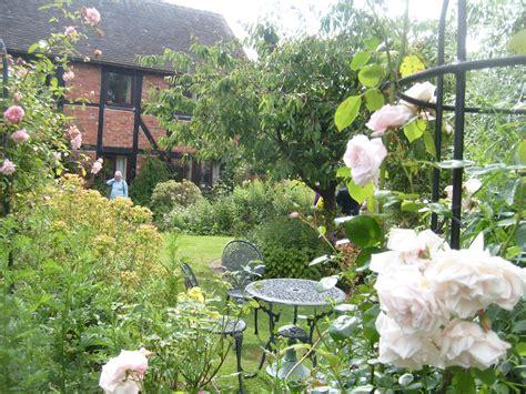 world visit english country garden